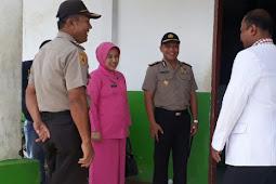 Mada Indra Laksanta Silahturahmi dengan Dokter dan Perawat di RSUD Karubaga