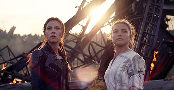 Natasha Romanoff (Scarlett Johansson) reunites with her sister Yelena Belova (Florence Pugh) in BLACK WIDOW.