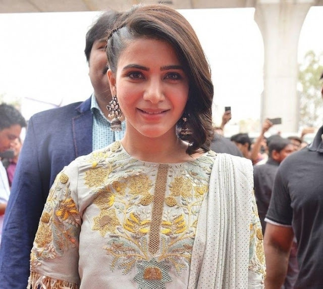 Actress Samantha Latest Pics At Mobile Event Navel Queens