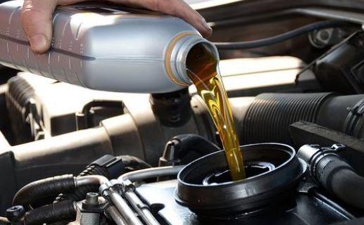 Tips Memilih Oli Mesin yang Tepat untuk Mobil Anda
