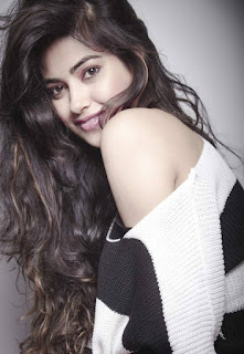 Meera Chopra hot movies, age, biography, photo gallery, latest photos, sister, bikini, hot photos, images, actress, navel, family, hd image, in bikini, feet, hot images
