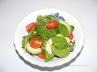 Salata de avocado cu spanac baby retete culinare,