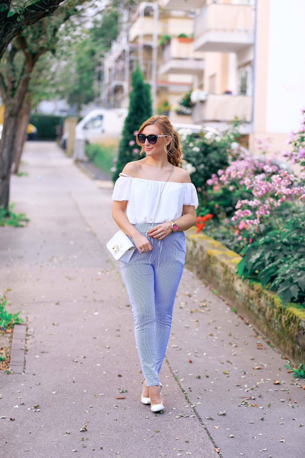 Blogger-outfit-was-ziehen-blogger-an-fashionstylebyjohanna-deutsche-fashionblogger-streifen-look