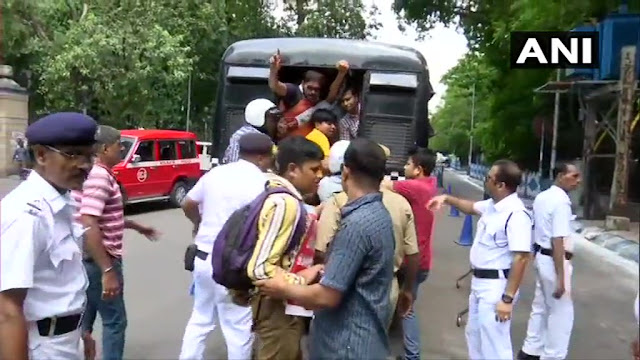 West Bengal Teachers demanding pay scale revision detained in Kolkata