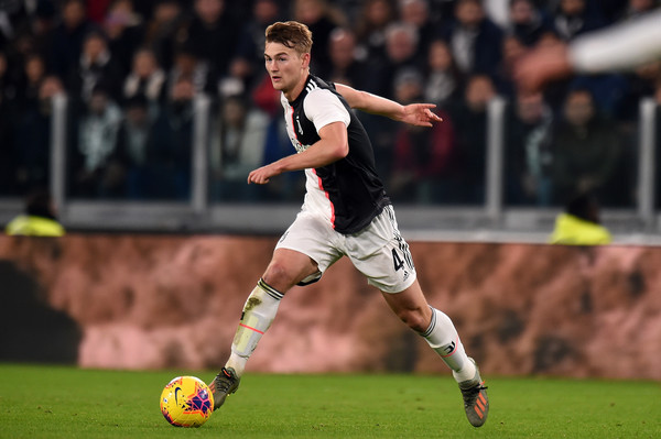 Matthijs De Ligt of Juventus in action during the Serie A match between Juventus and AC Milan at Allianz Stadium on November 10, 2019 in Turin, Italy
