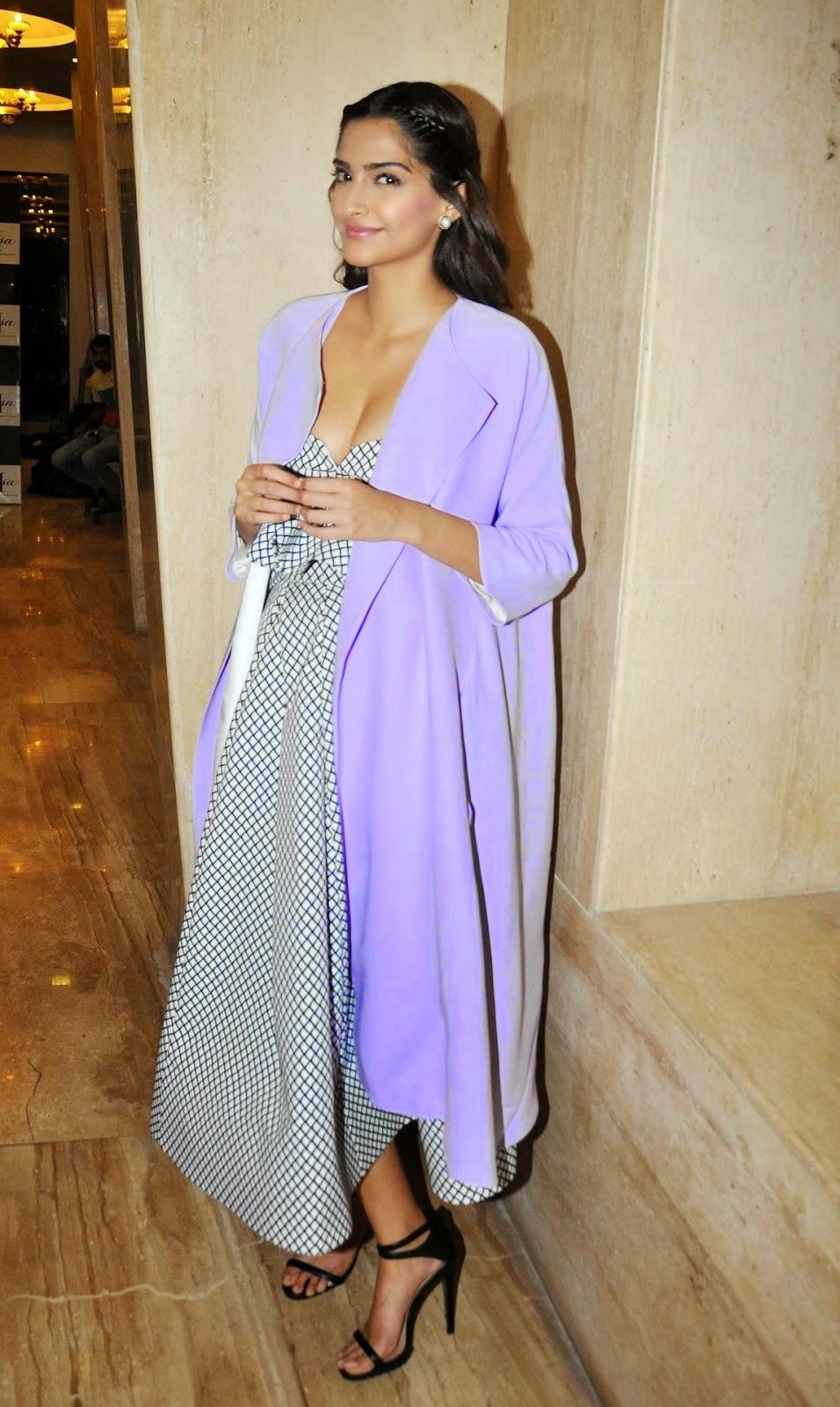 Xnxx Image Kareena Kapoor - Photo Erotica-9134
