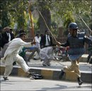 fight with pakistani police