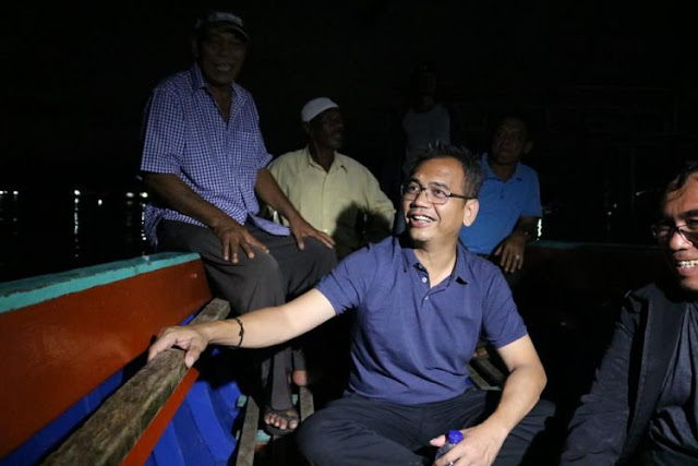 Arungi Laut dengan Nelayan Teri di Tapteng, Sihar Sitorus: Kita akan Buat Nelayan Tenang dan Berkantong Tebal