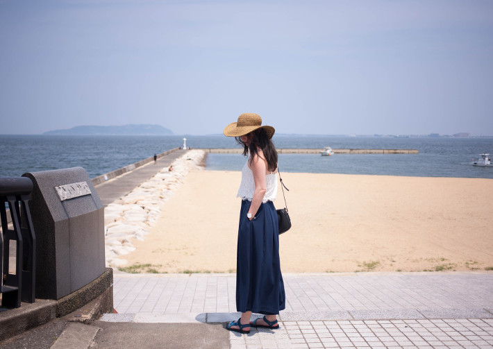 Teva sandals, culottes, crop top and wide brim hat