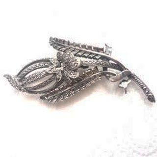 Kigu marcasite brooch