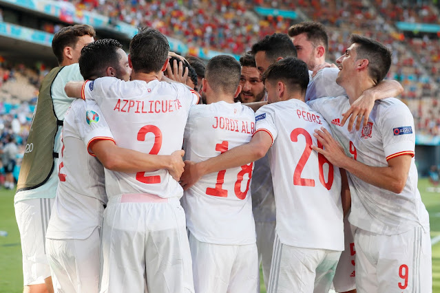Spain players celebrate 5-0 win over Slovakia at EURO 2020