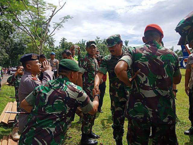 Danyon Mandala Yudha Dampingi Kunjungan Kerja Panglima TNI Ke Banten