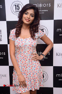 Actress Sanchita Shetty Pictures at Mirrors Salon App Launch Event 0007.JPG