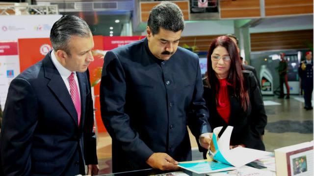 Estos son los nuevos decretos y acuerdos económicos firmados por Maduro