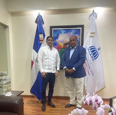 Senador Moreno Arias se reúne con presidente y Ministro en busca de solución a problemática de muertes de cerdos en la Línea Noroeste