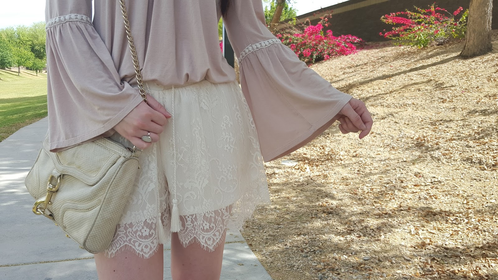 bell sleeves and pretty lace shorts- the perfect summer outfit
