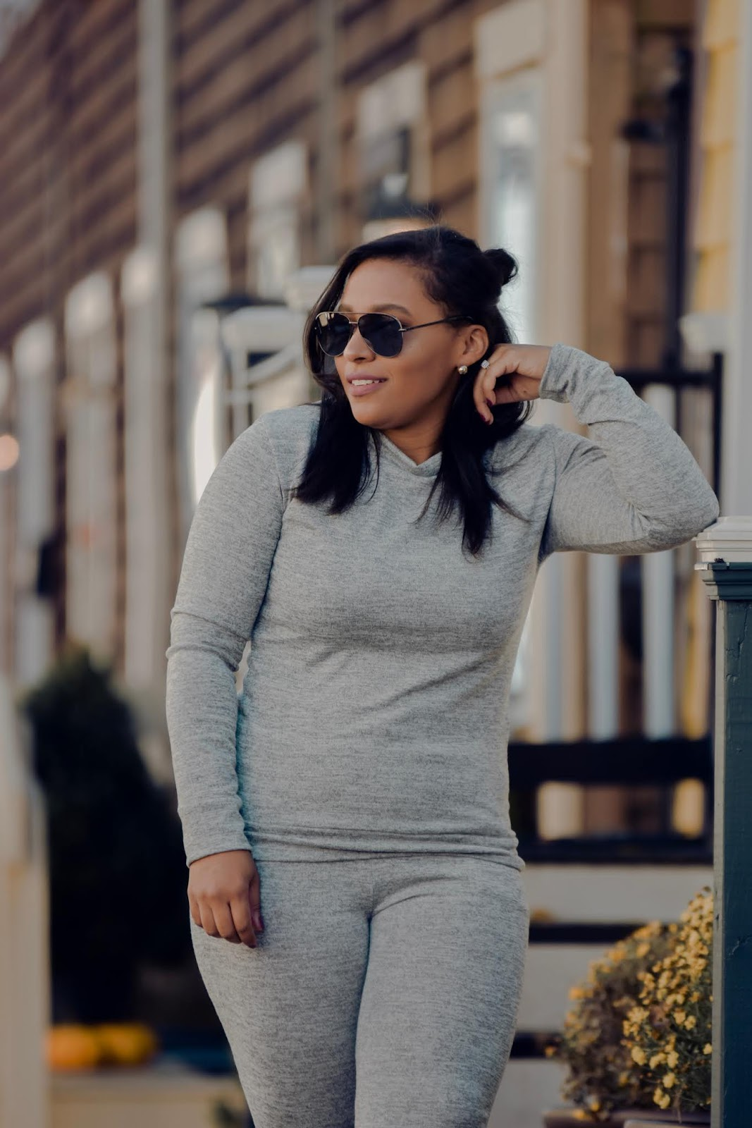 femme luxe, luxe gal, sweat suits, jogger suits, casual mom looks.