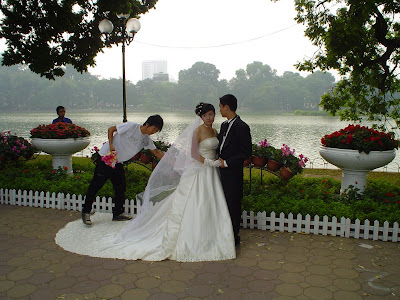 Wedding Hoan Kiem Lake, Hanoi, Vietnam