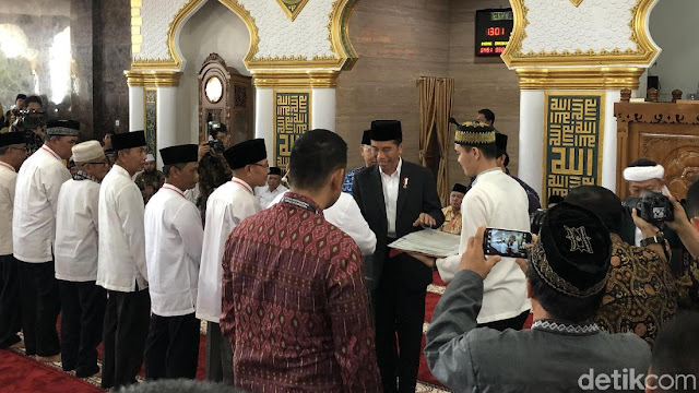 Bagi Sertifikat Tanah Kok di Masjid