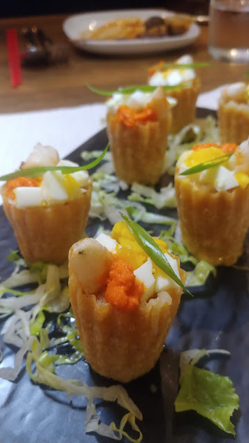 the quarters kueh pie tie review