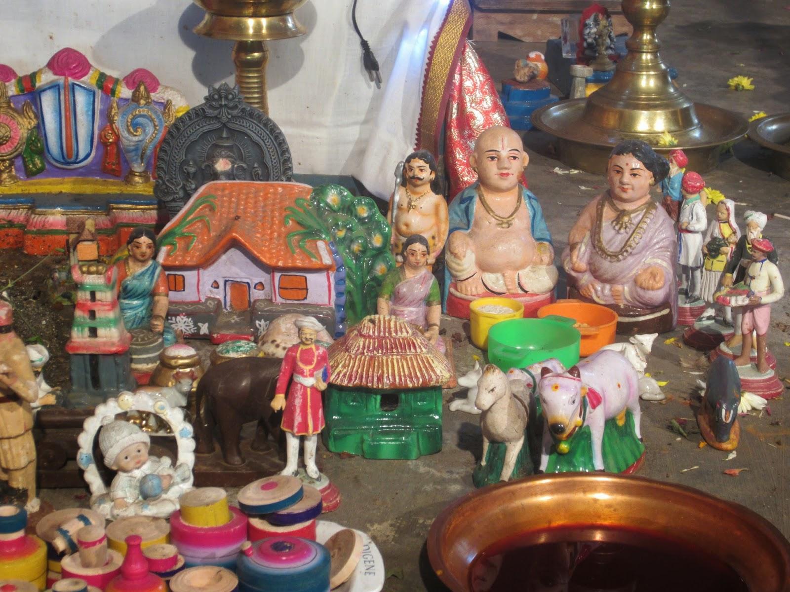 Navratri Golu, Dasara Bobme in Mumbai