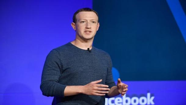 Contoh Teks Nonfiksi Tentang Pendiri Facebook