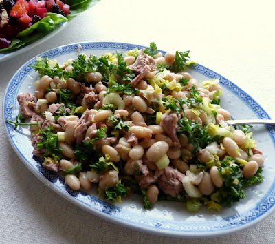 Tuscan White Bean Salad with Tuna