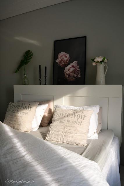 ikea brimnes sängynpääty house docktor kannu pioni taulu makuuhuone sänky