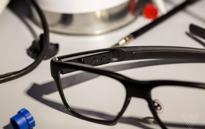 Smart-Glasses-made-by-Intel-uses-retinal-Projection