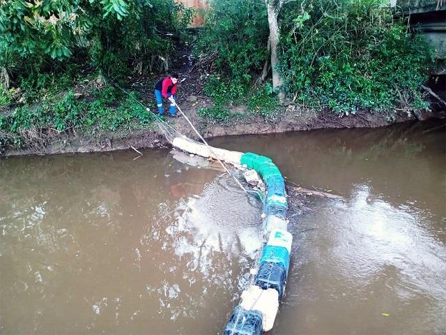Ecobarreira instalada no Rio Carapiranga começa a apresentar resultados