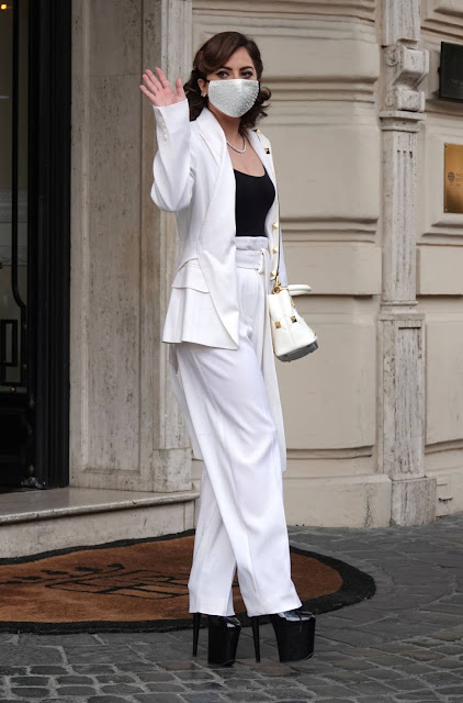 Lady Gaga – Leaves the hotel in Rome
