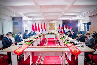 Tingkatkan Kerja Sama, Presiden Jokowi dan PM Hun Sen Gelar Pertemuan Bilateral