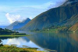 Jalan-jalan ke Danau Toba