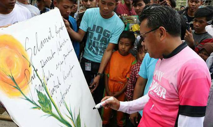 Nurdin Abdullah Kunjungi Lokasi Kemah Buku Kebangsaan di Desa Loka Bantaeng