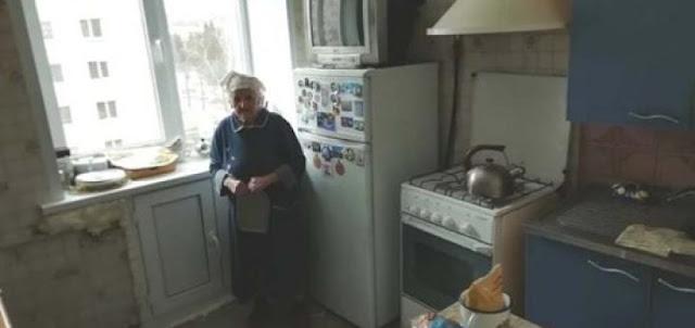 К 9 мая парни сделали бабушке бесплатный ремонт кухни. До и после
