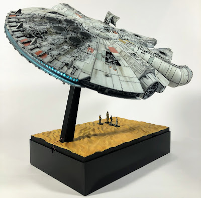Bandai Millennium Falcon Custom Plastic Plate Base LED