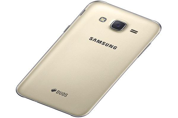 Thay vỏ Samsung Galaxy J3 Pro