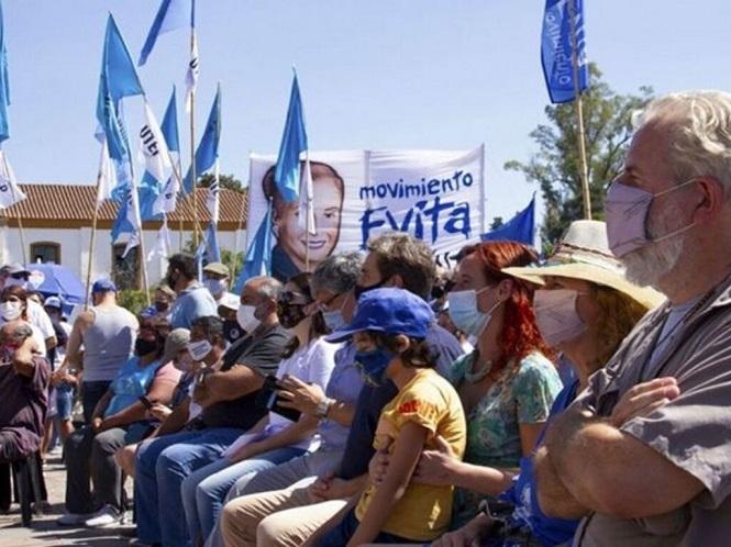 Movimientos sociales se movilizan a Plaza de Mayo para respaldar al Presidente