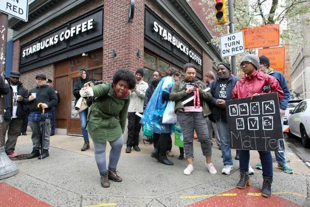 Các thương hiệu đình đám liên tiếp dính cáo buộc phân biệt chủng tộc trong năm 2018 ảnh 4