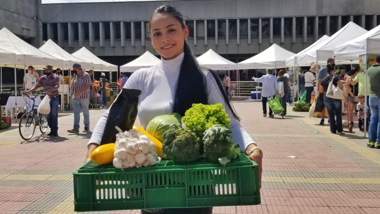 Bonos, cultura y gratuidad, las novedades del próximo Mercado Campesino