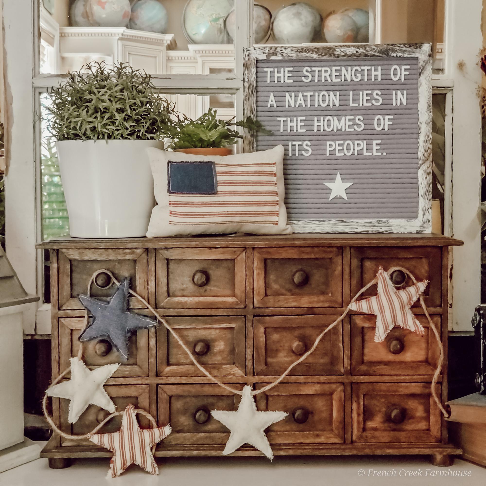 Farmhouse patriotic letterboard vignette