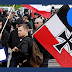 Cómo Facebook protege a los neonazis