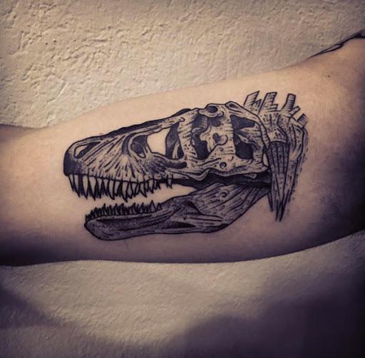 Este bíceps tat