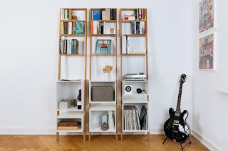 รับทำตู้หนังสือ และสามารถวางของได้ แบบติดผนัง