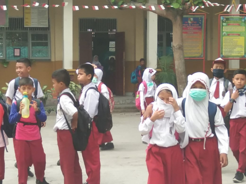 Guru 60 Persen dan Siswa 80 Persen Setuju Kembali Bersekolah, Orang Tua 80 Persen Menolak