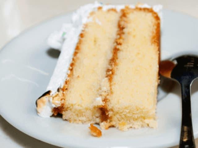 bolo com recheio de doce de leite
