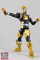 Lightning Collection Beast Morphers Gold Ranger 24
