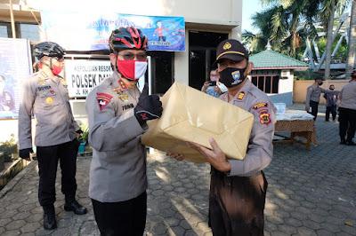 Kapolda Jambi dan PJU Gelar Patroli Sepeda dan Baksos Kepada Warga