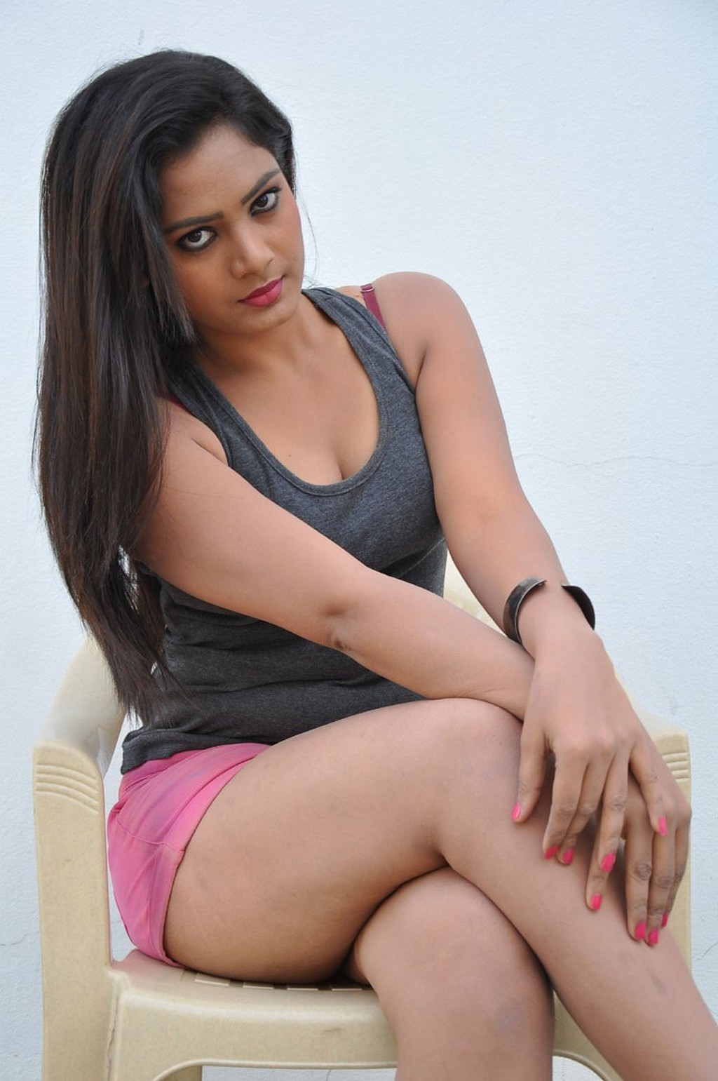 Avanthika Looks super cute beautiful spicy in Pink Shorts