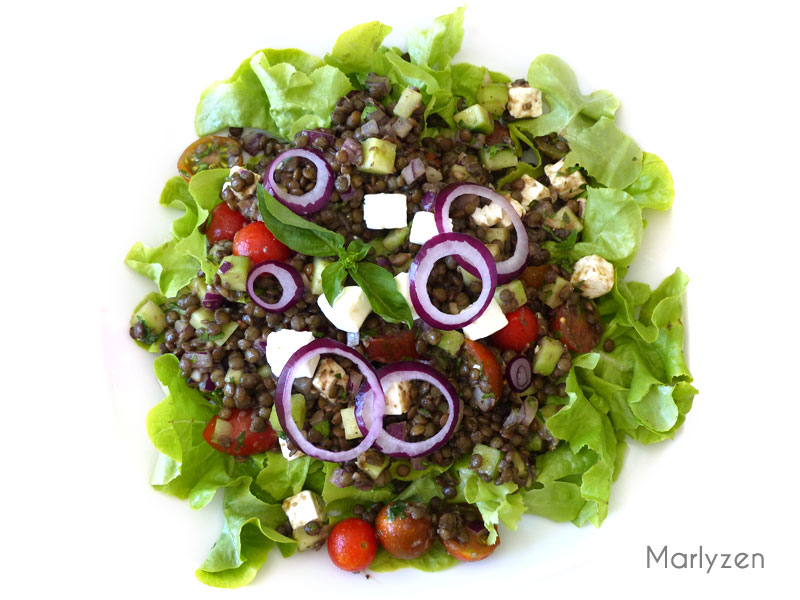 Salade de lentilles aux crudités et à la feta